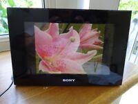 "Sony DPF-D70 7"" Black Digital Photo Frame"