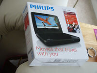 Portable Philips DVD player, black 18cm widescreen with ear phones