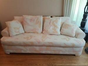 Beautiful barely used Couch Set (Couch + Loveseat)
