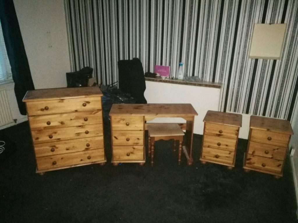 Pune bedroom furniture set