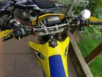 Suzuki DRZ 400 super moto