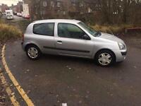 2006 Renault Clio 1.2 excellent condition 1 owner mot till 29/1/2018