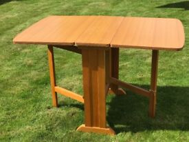 Kitchen table and chairs - excellent condition