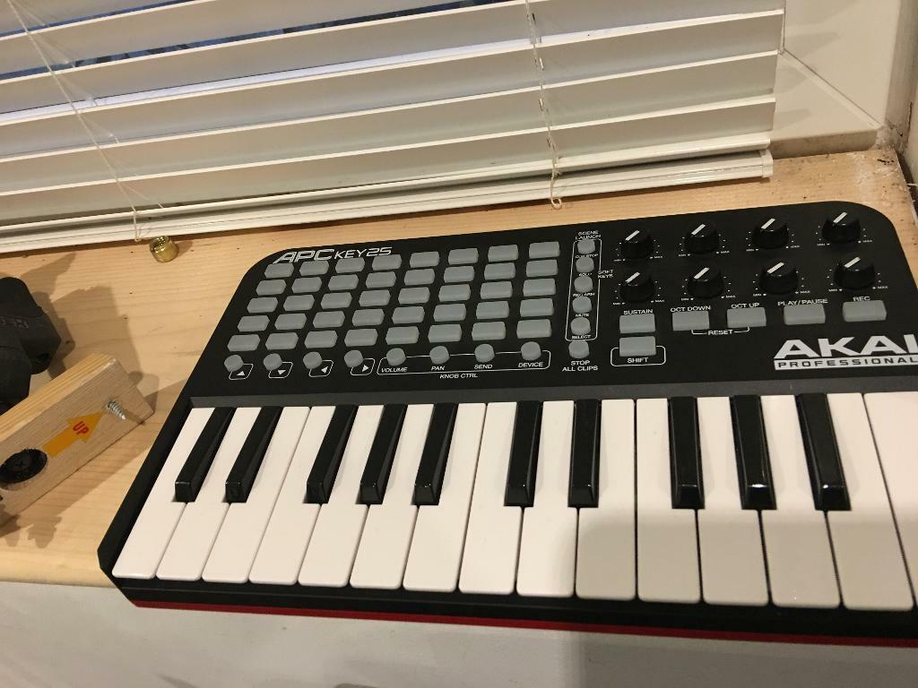 Akai pro APC 25 portable ableton keyboard