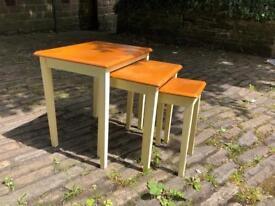 3 Nesting Coffee Tables White/Oak veneer