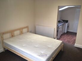 Spacious 1 Bedroom Flat in City Centre ALL BILLS INCLUDED!!