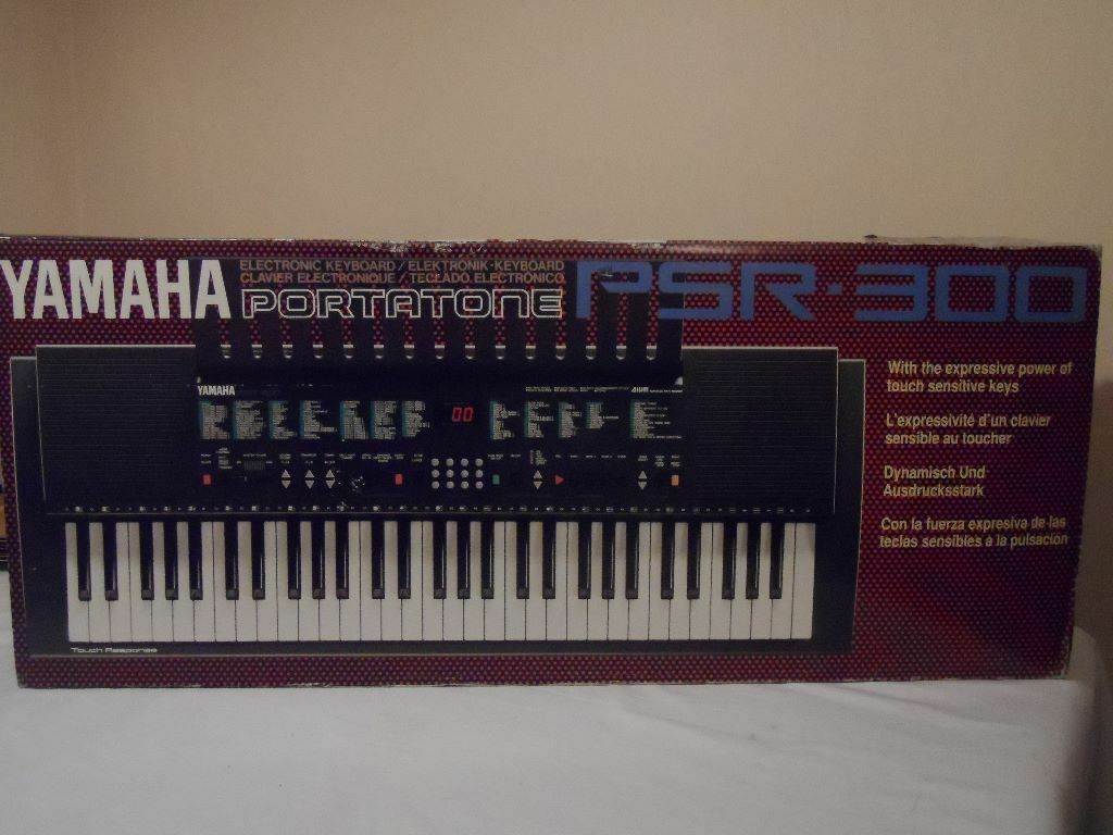 Yamaha PSR-300 Keyboard for sale. Excellent condition - Price reduction!