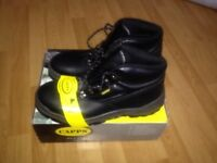 Capps Premium Steel Toe Safety Boots BNWT 11/46