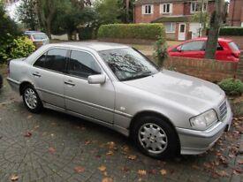 Mercedes C250TD Elegance Auto 4 door saloon for spares or repairs