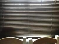 Venecian blinds