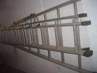 Triple Extendable Ladders 11ft