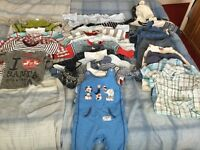 Boundle of clothes size 3-6 months