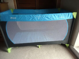 *BUNDLE* Hauck Travel Cot / Additional soft mattress/Blanket and fitted sheet. Longer length 120cm