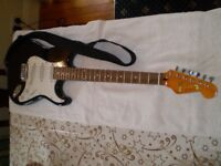 Strat style elec guitar now reduced from£130 to £100!!!