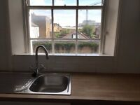 Studio Apartment Terraced House in St Peters Street, ANGEL N1