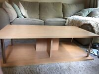 Pine veneer coffee table & matching TV stand in good condition