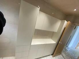 Joiner / Kitchen & Bathroom Fitter