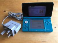 Nintendo 3DS Turquoise + Charger