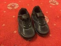 M&S trainers size 5 like new