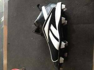 RBK size 16 mens baseball/softball cleats