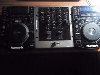 2x Numark NDX500s + Numark M2 Mixer (RCA cables included)