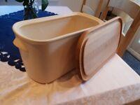 NIGELLA LAWSON LIVING KITCHEN Cream Ceramic Bread Bin with Wooden Top.