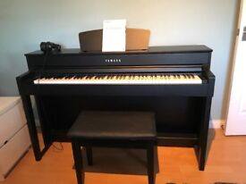 Yamaha Clavinova CLP-535 in Black Walnut. Home use only, lovely condition, no chips or dents.