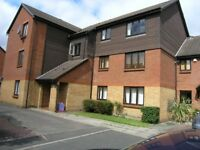 COLLIERS WOOD - SPACIOUS GROUND FLOOR FLAT WITH ENTRYPHONE SECURITY SYSTEM IN POPULAR LOCATION