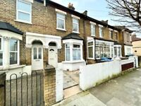 ***DSS WITH RENT AND DEPOSIT WELCOME***A LOVELY FOUR BEDROOM HOUSE IN EDMONTON N9