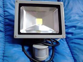 LED FLOODLIGHT 20 WATT/200WATT MOTION SENSOR