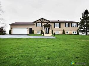 $689,000 - Raised Bungalow for sale in Kemptville
