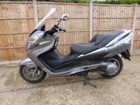 Suzuki Bergman 400 cc, grey, 2011 model, mot 3/2018, 2 keys, 18k miles, only £1495