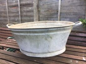 Vintage Galvanised Baby Bath Dolly Tub / Garden Planter call malc