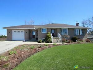 $425,000 - Bungalow for sale in Drayton