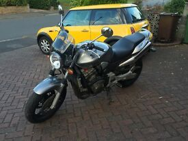 CB900F - v low mileage - 'naked' with engine guard