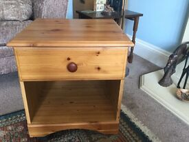 Pine Bedside Cabinet with one Drawer H20in/50cm W18.5in/46cm D17.5in/44cm