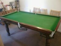 POOL TABLE/SNOOKER TABLE