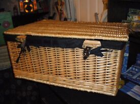 REDUCED-LARGE QUALITY WICKER HAMPER