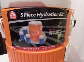 Brand new IGLOO 5 piece hydration set. P&SF home.
