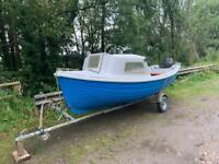 Boat cabin cruiser Arran 16ft with 25hp Tohatsu outboard + trailer