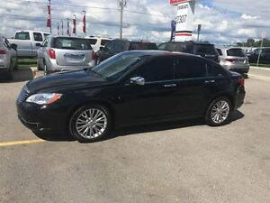 2012 Chrysler 200 Loaded; Leather, Roof, Navi, Back-Up Camera an London Ontario image 2