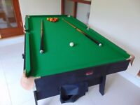 Billiards Table (outstanding condition, 6ft easy foldaway table with FREE accessories)
