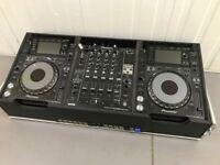2x Pioneer CDJ 2000 Nexus + DJM 900 SRT SERATO + Hardwired Flight Case Boxed