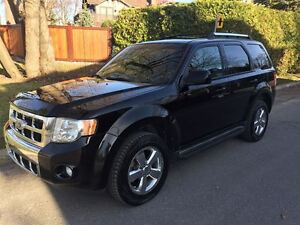 2010 Ford Escape Limited 3.0L cuir toit 4x4 inspecter