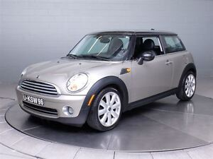 2008 MINI Cooper Classic A/C MAGS TOIT PANORAMIQUE CUIR West Island Greater Montréal image 1