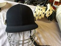 Full set of cricket equipment (In good condition). Late teen/men