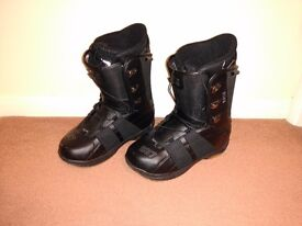 Size 12 SP Mens Snowboard boots