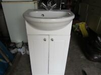 SHOWER AND BATHROOM EQUIPMENT ALL FREE TO COLLECTOR