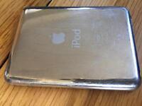 iPod nano 8GB plus docking station