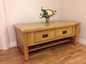 Oak effect coffee table. Sturdy piece of furniture.